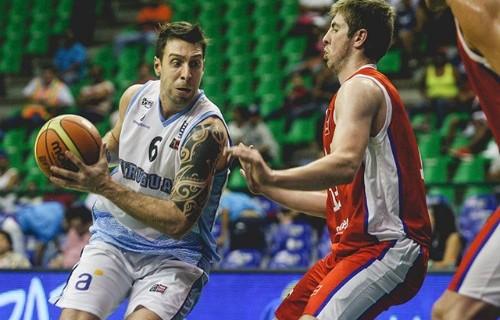 Uruguay smashes through Chile, 92-52