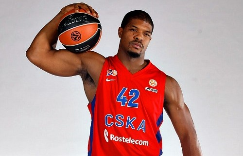 Kyle Hines stays with CSKA Moscow