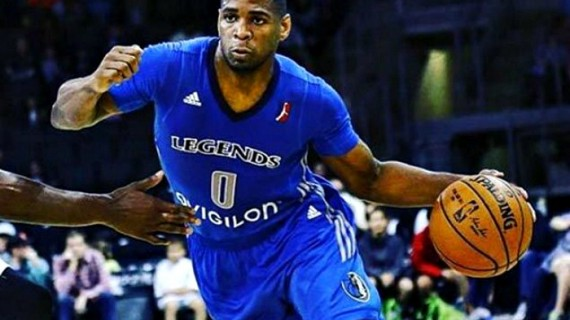 Tu Holloway back with Guaros