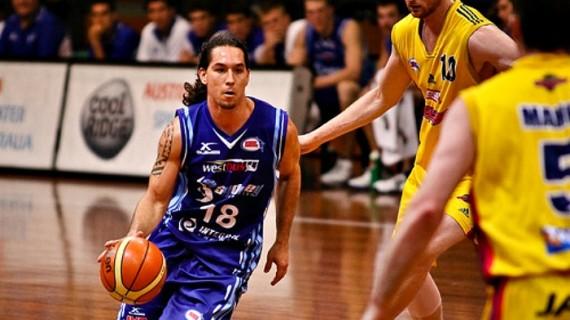 Derrick Low extends with Pieno Zvaigzdes