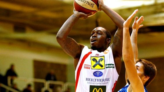 Darryl Bryant added by Szolnok