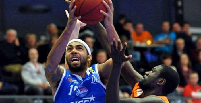 Jaraun Burrows heads to Provence Basket