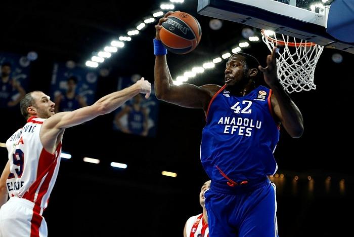 Bryant Dunston extended by Anadolu Efes
