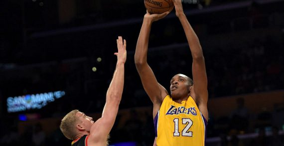 Robert Upshaw inks with Champville