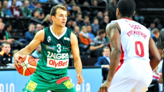 Kevin Pangos signs with Barcelona