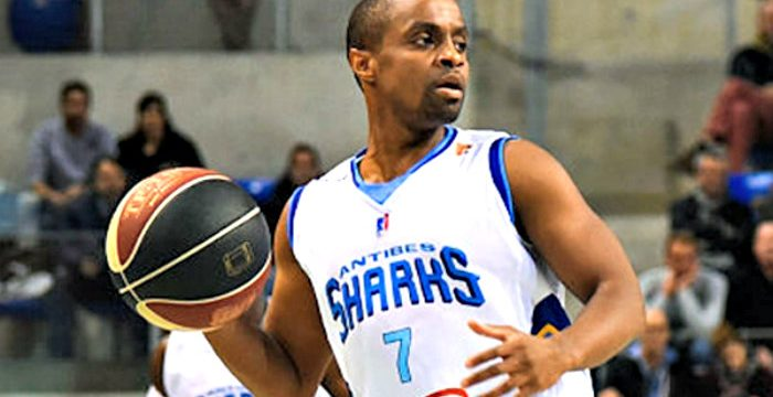 Morris Curry joins Craiova