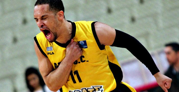 Michael Dixon moves to Reggio Emilia