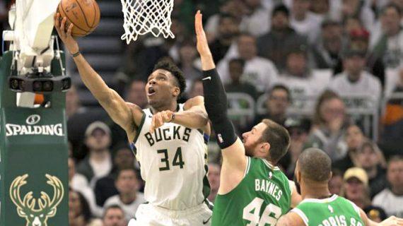 NBA: Antetokounmpo Helps Bucks Tie Series 1-1