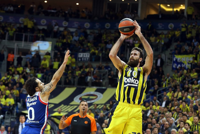 Turkish Airlines EuroLeague: Efes tops Fenerbahce in derby game