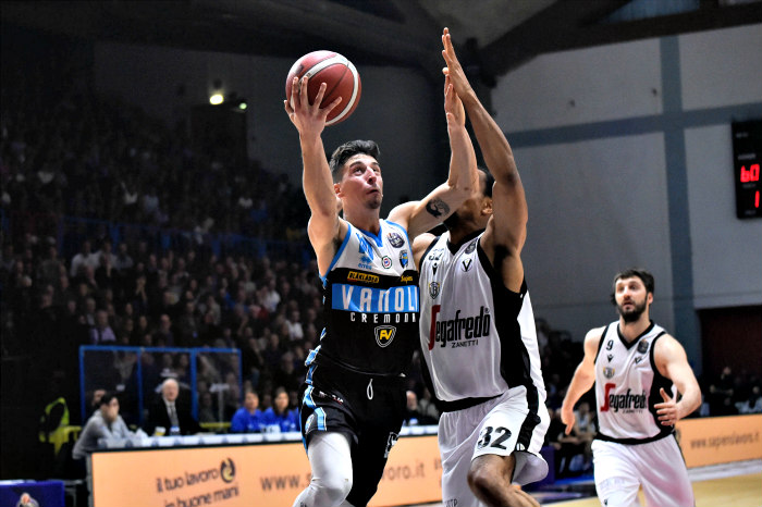Virtus Bologna suffers first loss at Serie A at the hands of  Vanoli Cremona