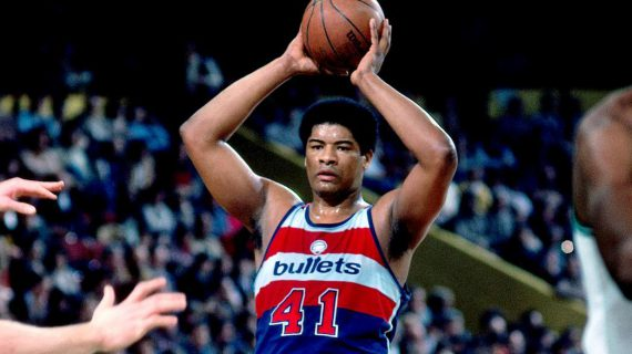 Wes Unseld, Hall of Fame center, dies at 74