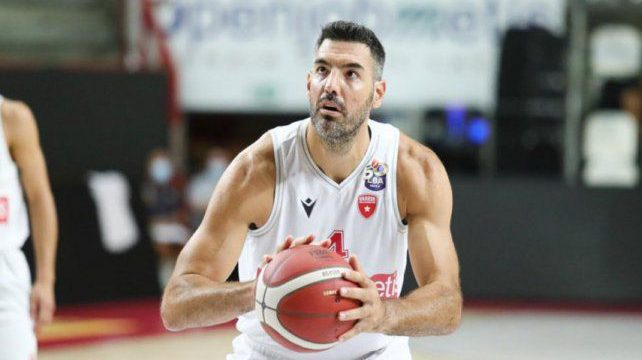 Luis Scola notches double-double in Serie A opener