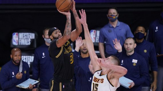 Anthony Davis sinks buzzer-beating 3 in Game 2