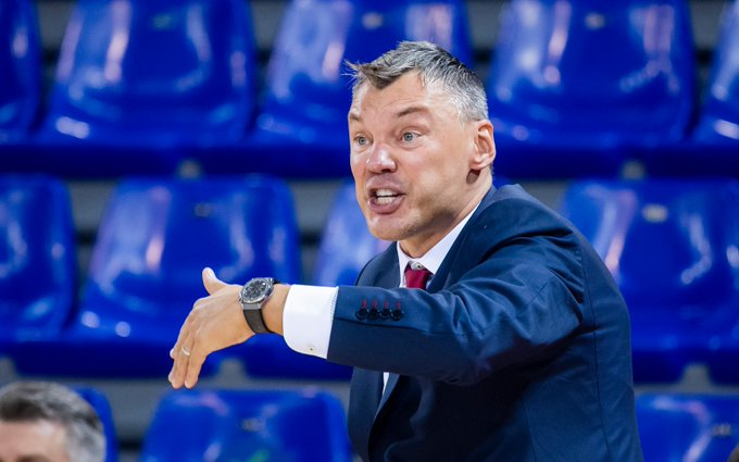 Sarunas Jasikevicius victorious in EuroLeague head coaching debut with Barcelona
