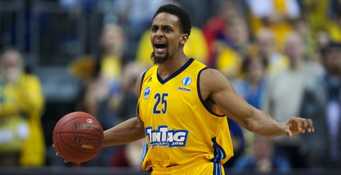 Clifford Hammonds agree on terms with Ionikos