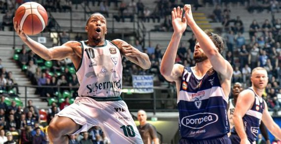 Wes Clark signs with Chemnitz