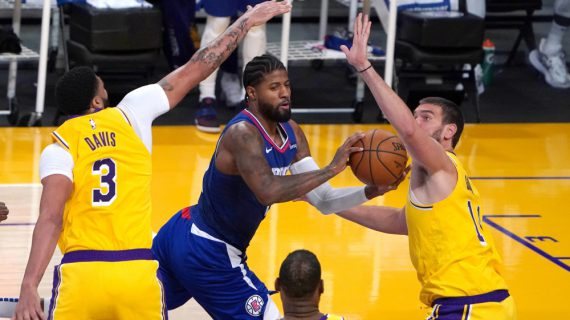 Lakers fall to Clippers in NBA opener