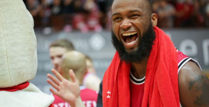 Devin Searcy switches to Pszczolka Start Lublin