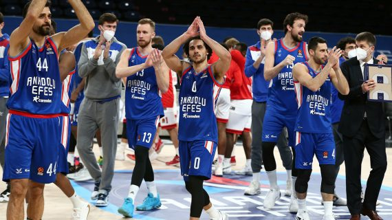 Anadolu Efes solidifies EuroLeague playoff spot with third straight win