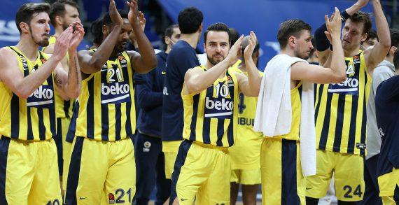 Fenerbahce extends winning streak to 10 games to maintain EuroLeague top four push