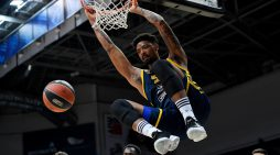 Khimki stuns Real Madrid to snap 17-game EuroLeague losing streak