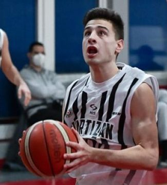 Mihailo Petrovic signs with Partizan
