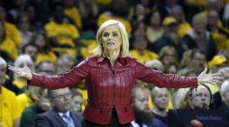Kim Mulkey leaves Baylor to fill LSU vacancy