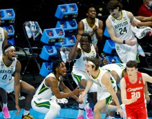 Baylor's first-half flurry propels Bears into NCAA Final