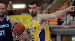 Ioannis Kouzeloglou from Aris to Pau