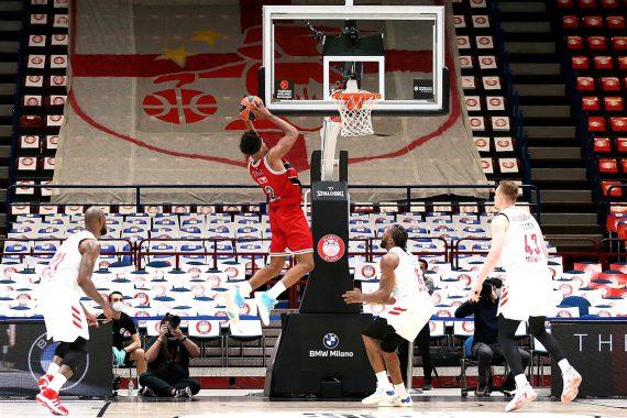 Zach LeDay, Armani Milano survive Bayern Munich in EuroLeague playoffs opener