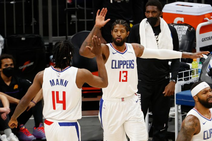 Los Angeles Clippers win game 5 and keep their hope alive