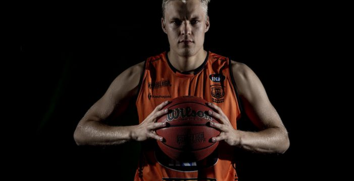 Okko Jarvi leaves Finland, signs with Brussels
