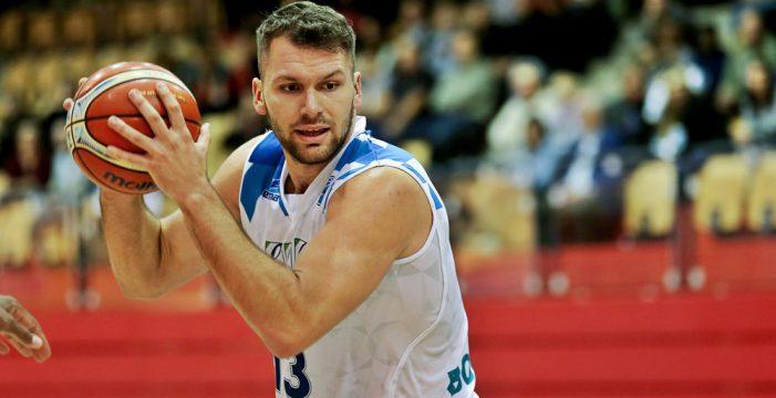 Jozo Rados signs with Vienna