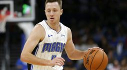 Josh Magette signs with the Tasmania JackJumpers