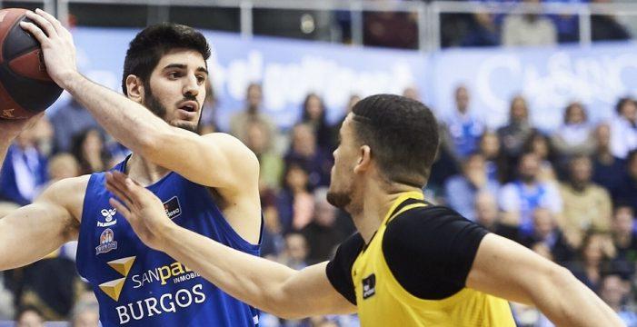 Baskonia adds Alex Barrera